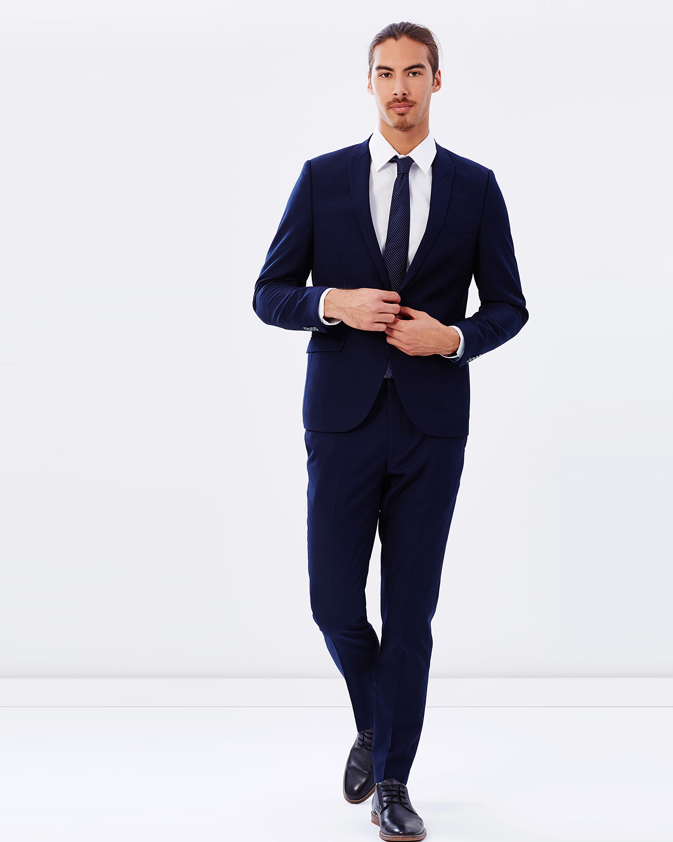 Custom tailored Australian Merino wool men's suits in Sydney & Melbourne from $ with complimentary alterations. Book a free fitting now!