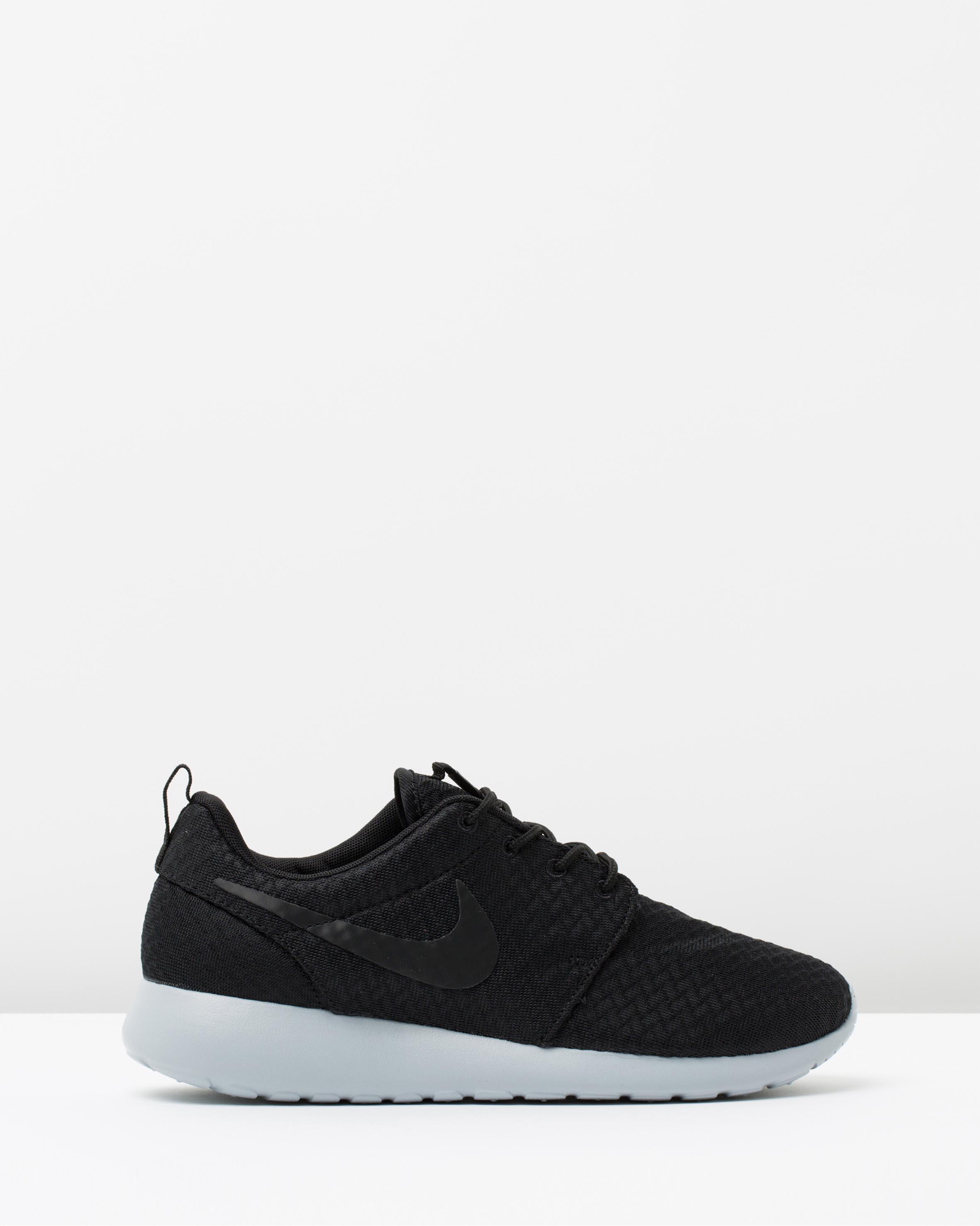 Buy wholesale shoes online Shoes