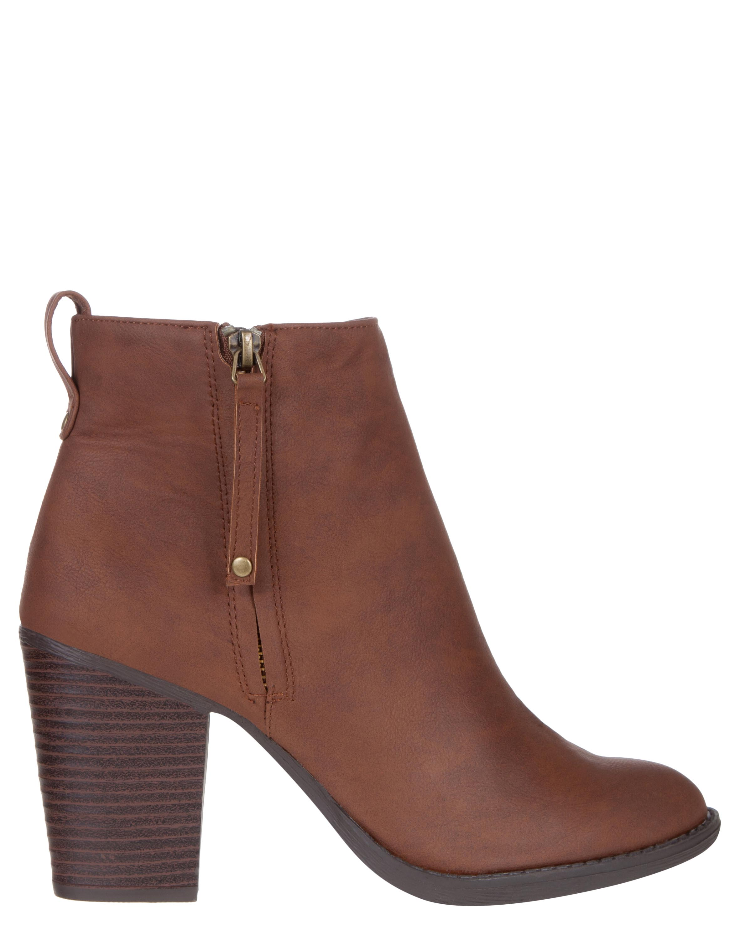 Cheap Shoes on Sale. Discount Boots, Sneakers, High Heels